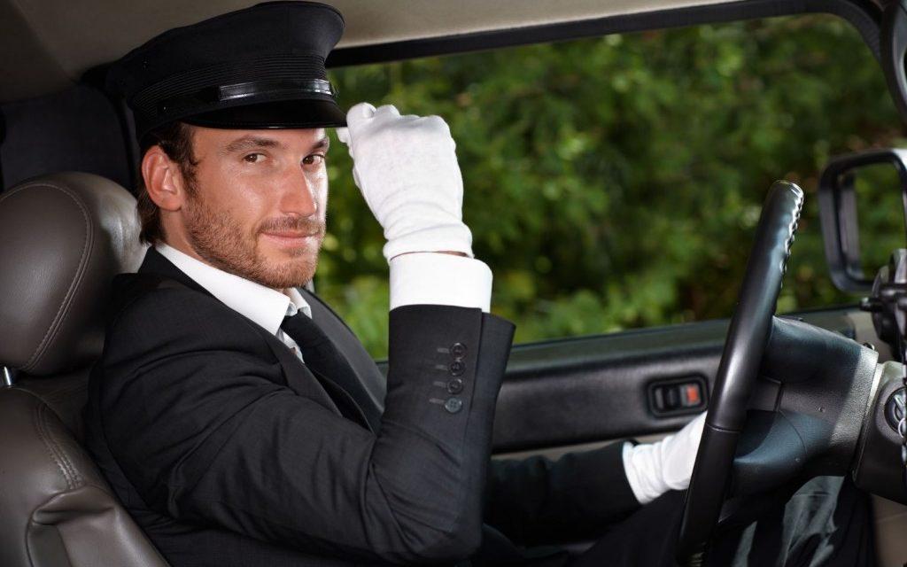 Ventajas de alquilar un coche con chófer en Barcelona